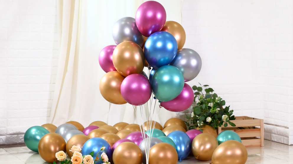 Balloon tables float on the ground